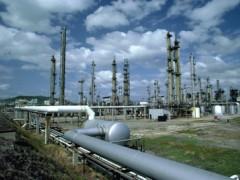 新疆能源十分丰富,稳定能源输出充满艰